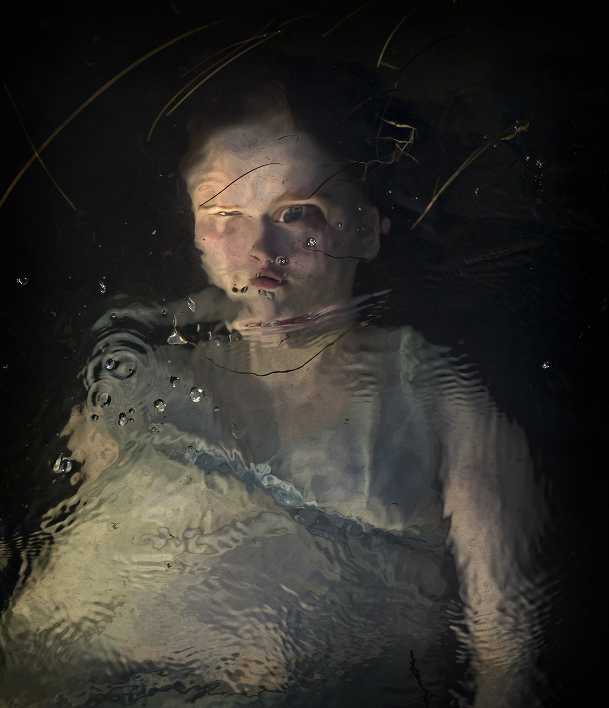 Ethereal Underwater Photographs by Elinleticia Högabo Glimpse the Subjects Below the Surface