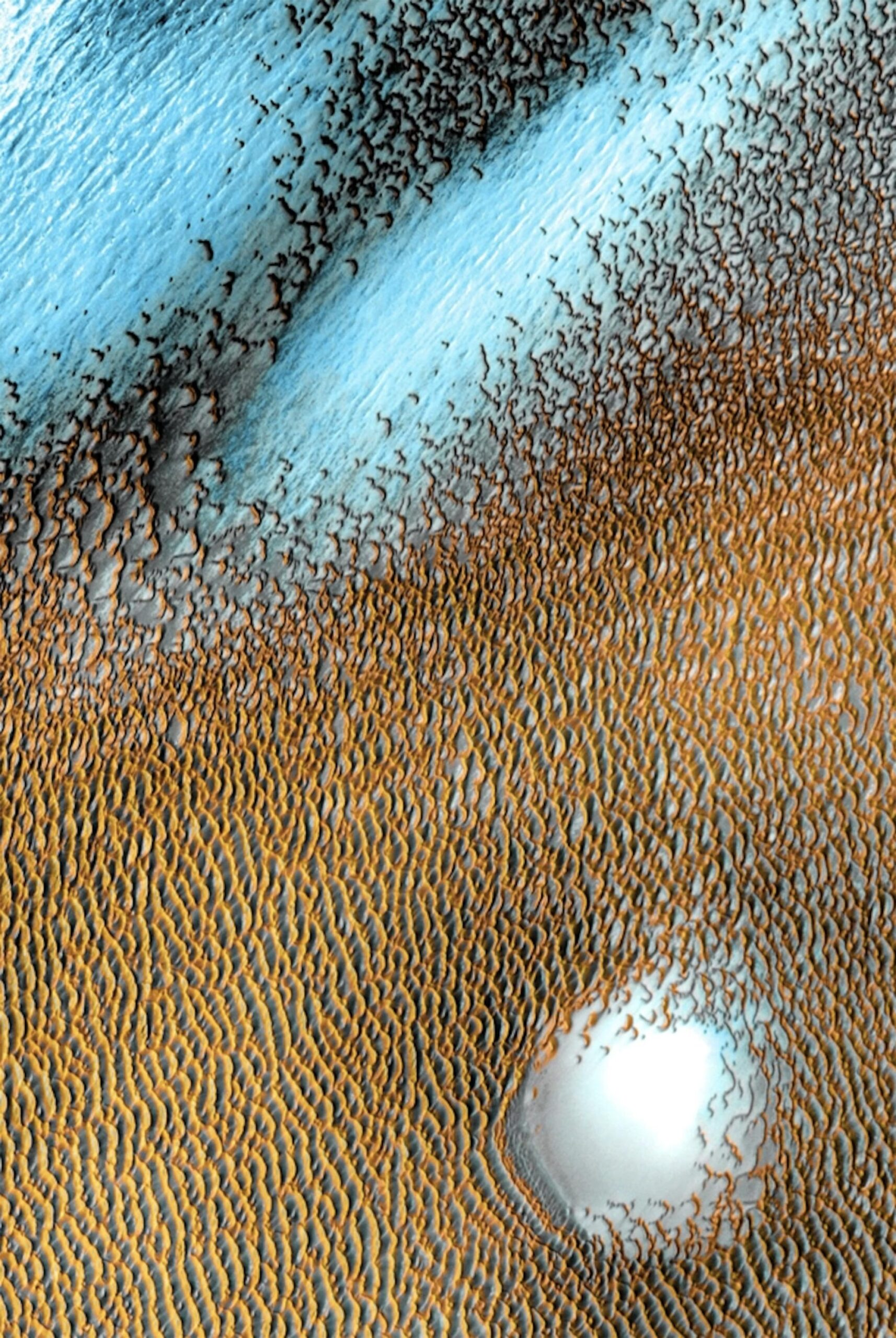 Blue Dunes Ripple Across Mars' Surface in a New Infrared Composite from NASA